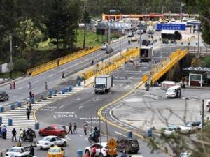 Bridge from Colombia to Ecuador
